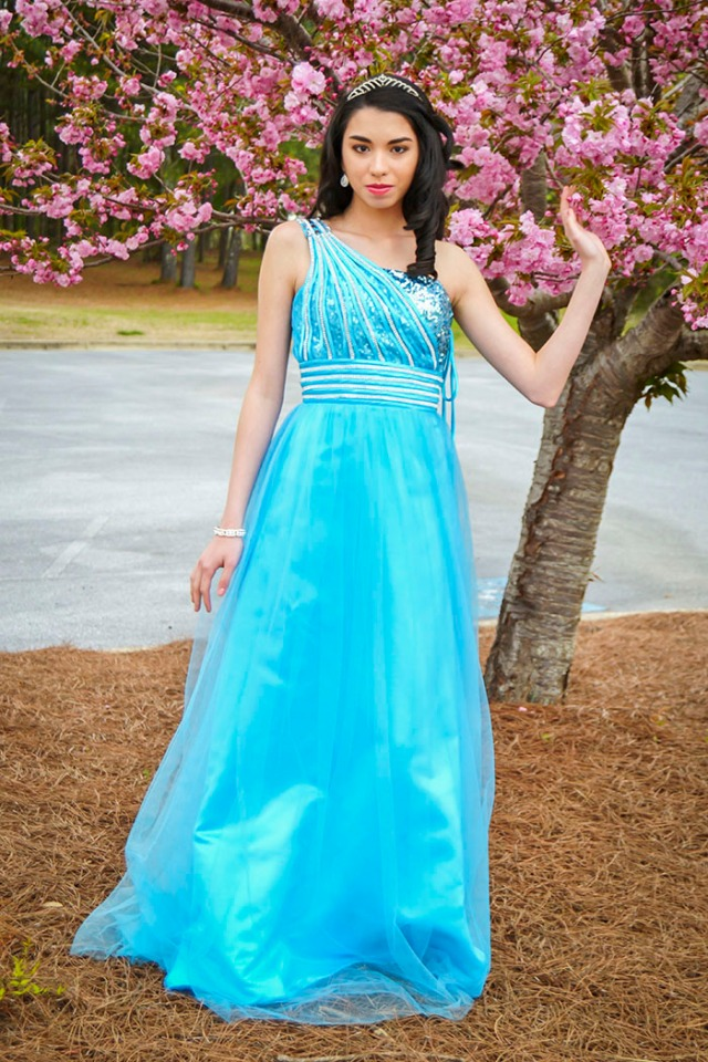 prom teen fashion blog mystery birthday party